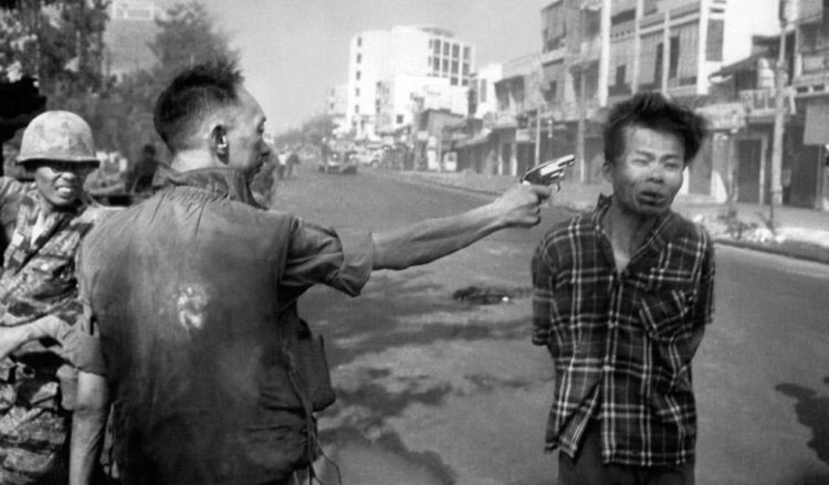 Pulitzer Prize-winning photographer Eddie Adams | Saigon Execution | 1968