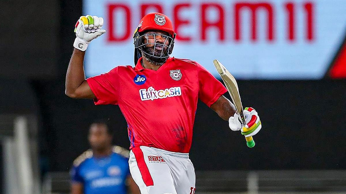 chris gayle hits 1000 sixes