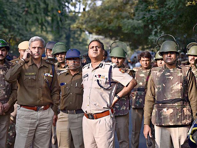 Two Terrorist arrested in Delhi