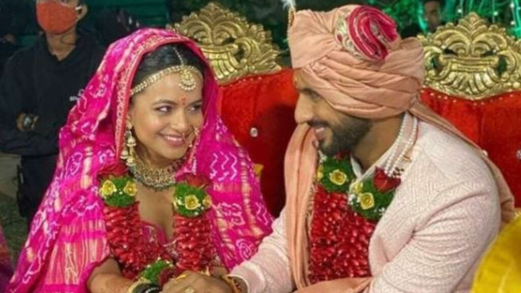 Punit and Nidhi get married to each other