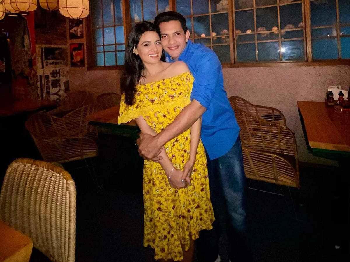 Aditya Shweta couple